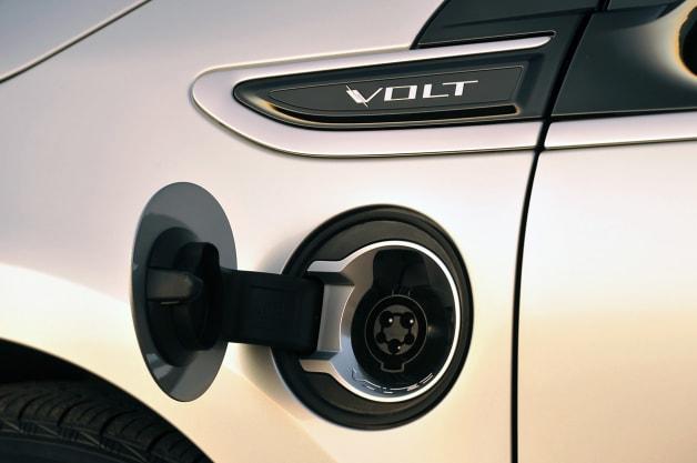 2013 Chevy Volt plug