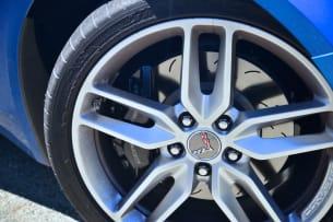 2014 Chevy C7 Corvette Stingray wheel
