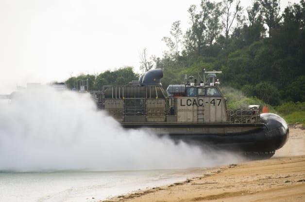 Okinawa Blue Beach Landing Craft Air Cushion LCAC Amphibious Dock Loading ship USS Germantown LSD 42 #PELARG14 #U.S. Navy 31st Marine Expeditionary Unit 7th Fleet