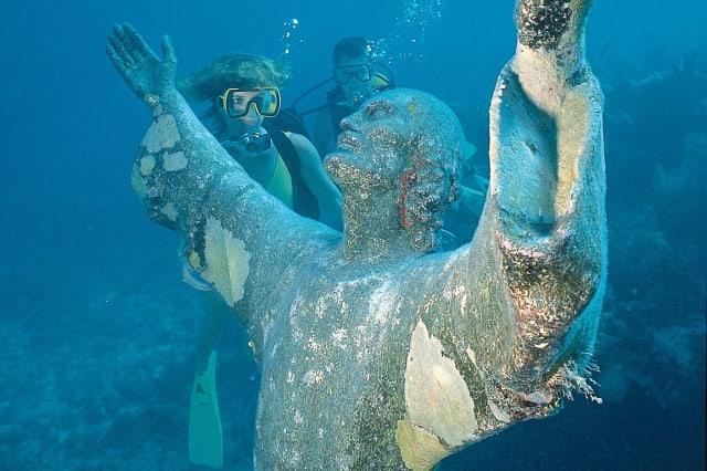 Christ statue underwater John Pennekamp state park