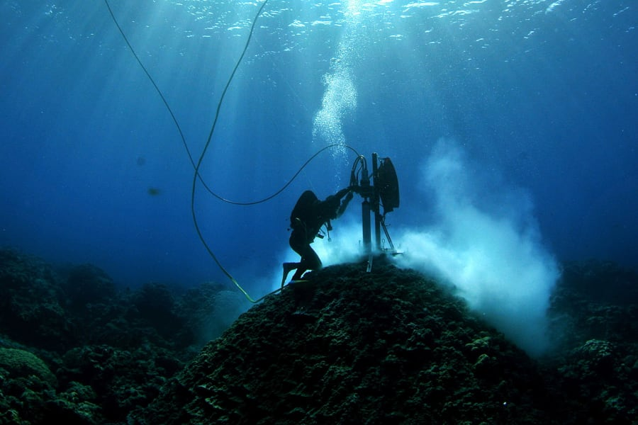 Coral cores can provide 400 years of tree ring-style