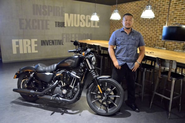 Harley-Davidson 2016 XL883N