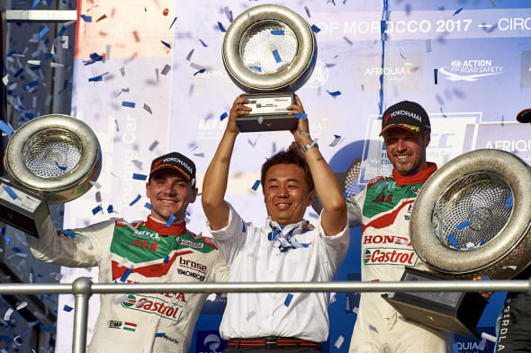 2017 EVENT: Race of Morocco  TRACK: Circuit Moulay El Hassan - Marrakech TEAM: Castrol Honda World Touring Car Team PICTURED: Ryuichi Furukawa Large Project Leader for WTCCdevelopment from Honda R & D celebrates the victory of Tiago Monteiro with Norbert Michelisz