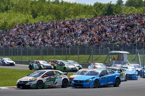 2017 EVENT: Race of Hungary TRACK: Hungaroring TEAM: Castrol Honda World Touring Car Team CAR: Honda Civic wtccDRIVER: Tiago Monteiro took the lead at the start of the race
