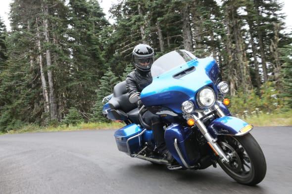 Harley-Davidson Milwaukee Eight 02