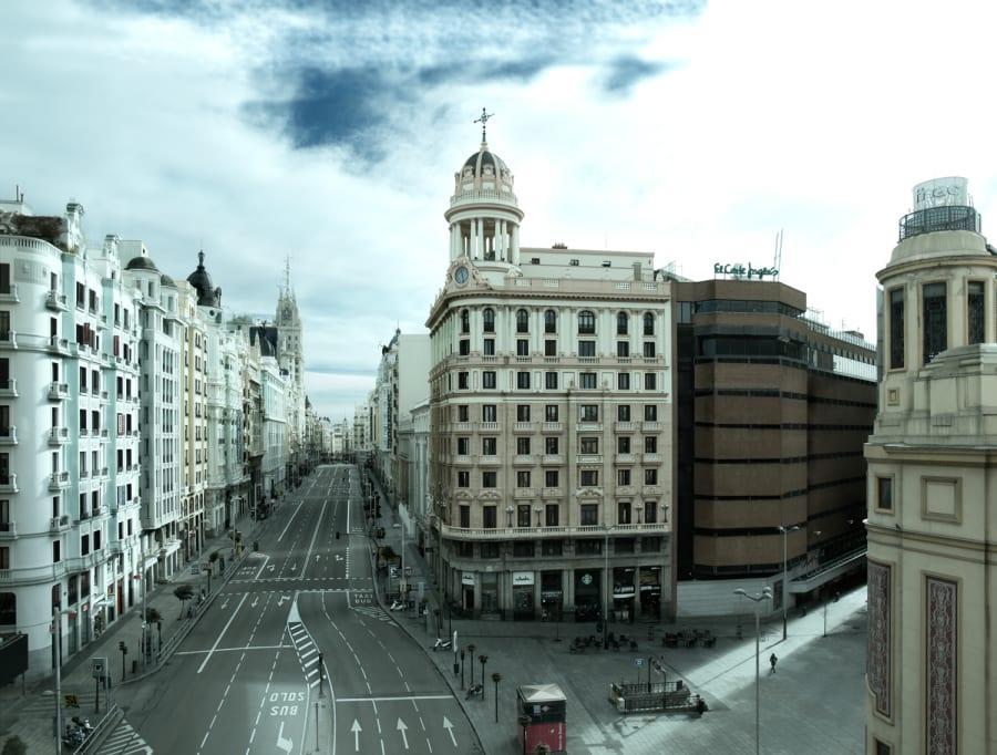 Este fotógrafo ha 'vaciado' las calles de Madrid y el resultado es