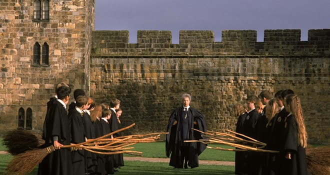 harry potter, hogwarts, alnwick castle, flying lessons, harry potter and the sorcerer's stone