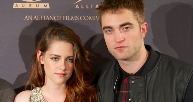 is bella and edward dating in real life As if the showbiz world and its relationships weren't small enough, french the sun reports that soko, 30, who has been dating stewart, 25, for the last after they were cast as bella swan and edward cullen in the twilight films soko, real name stéphanie sokolinski, and stewart, have yet to officially.