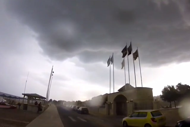 Holidaymaker captures terrifying storm in Crete