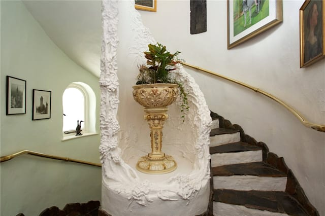 The spiral staircase and plasterwork