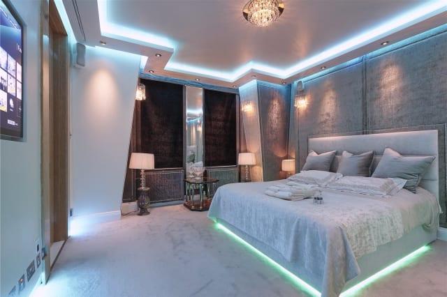 The flat's dramatic lighting.