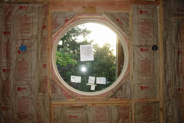 Insulation around the window