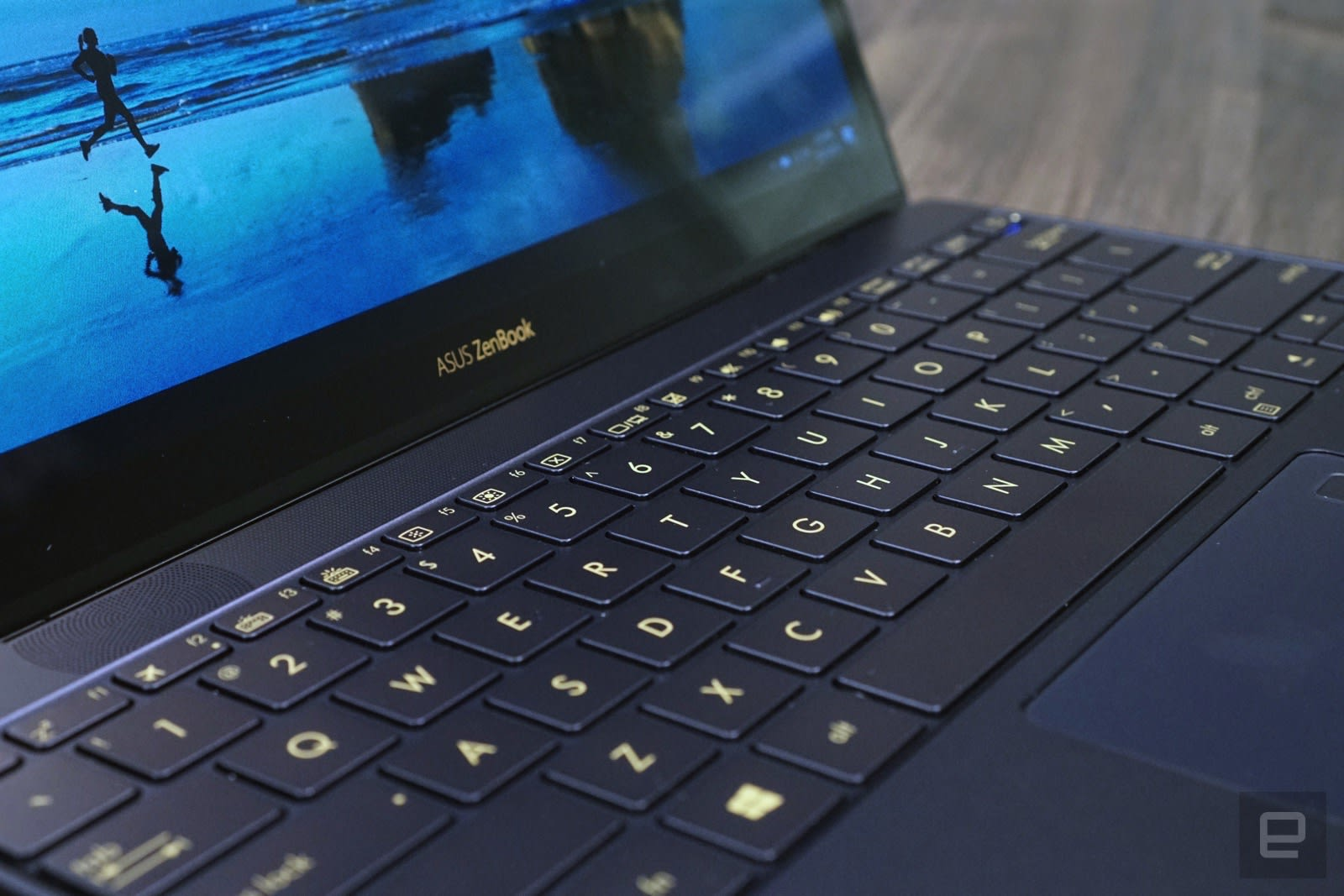 ASUS ZenBook 3 review: A powerful MacBook competitor with issues