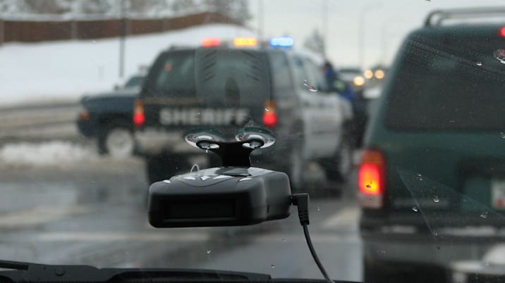 Radar Detector Basics: Are they legal and do they really