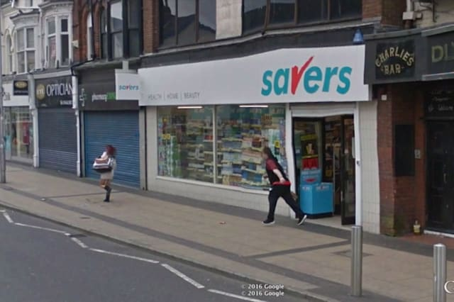 Google Street View catches shoplifter fleeing scene of crime
