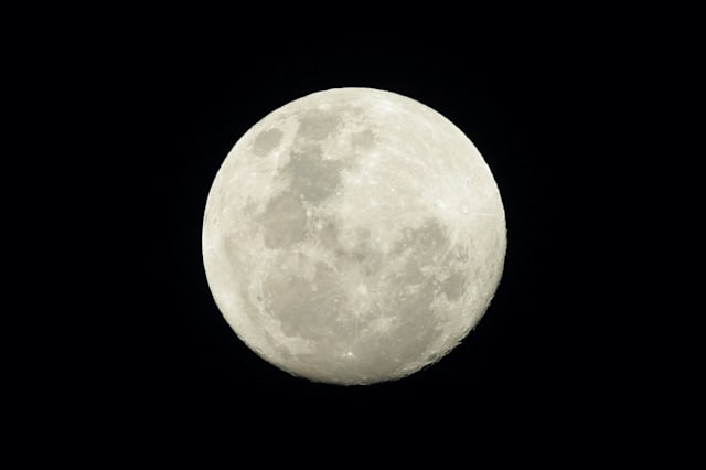 SUPERMOON-SIGHTING/Supermoon to offer closest view in 69 years