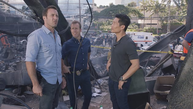 Alex O'loughlin as Steve McGarrett, Scott Caan as Danny 'Danno' Williams, and Daniel Dae Kim as Chin...
