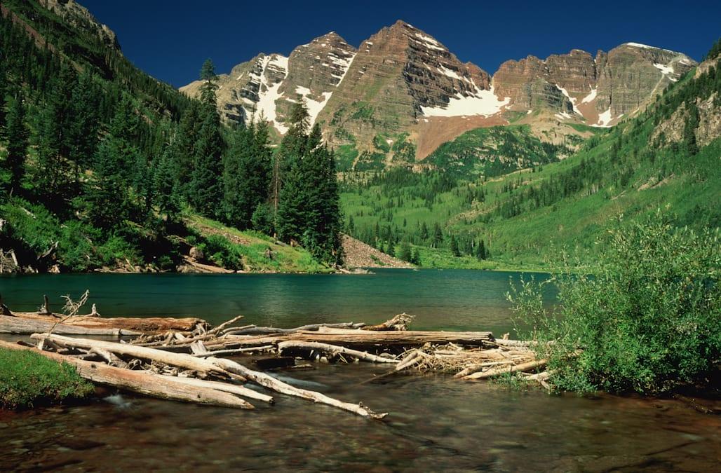 USA,Colorado,White River National Forest,Maroon Bells Peaks and Lake