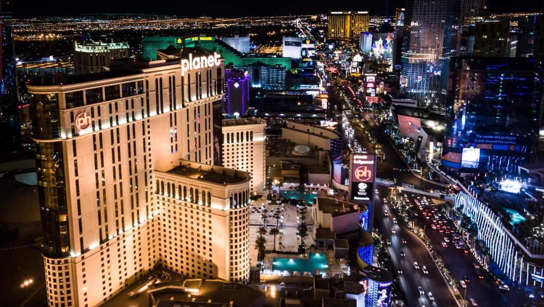 https://upload.wikimedia.org/wikipedia/commons/2/2b/Las_Vegas,_Planet_Hollywood.jpg