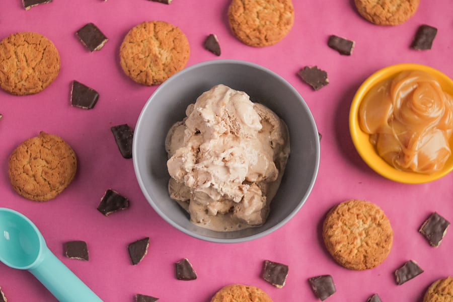 Ginger cookies and caramel are the perfect ice cream