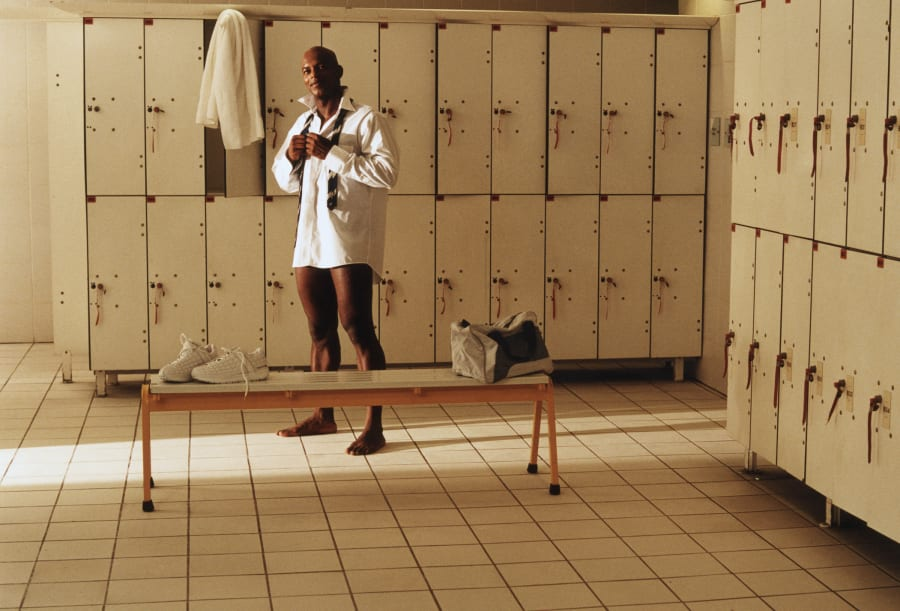 The definitive guide to change room etiquette huffpost