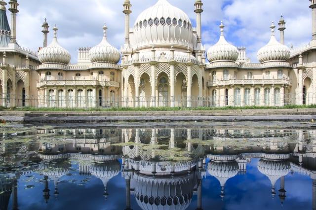 royal pavillion reflection panorama brighton uk