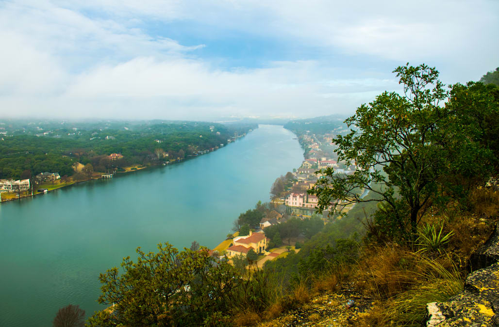 Mount Bonnell Cliff Side Cloudy Morning Amazing View