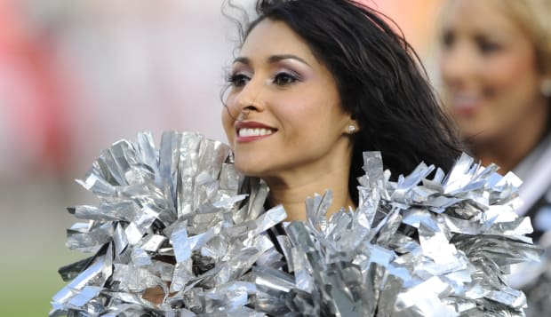 07 November 2010: Raiderettes perform as the Oakland Raiders defeated the Kansas City Chiefs 23-20 in overtime during a regular