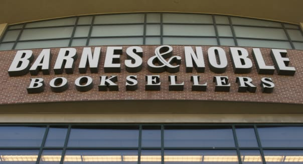 Barnes & Noble Reports Smaller Loss, to Split Off Nook Media