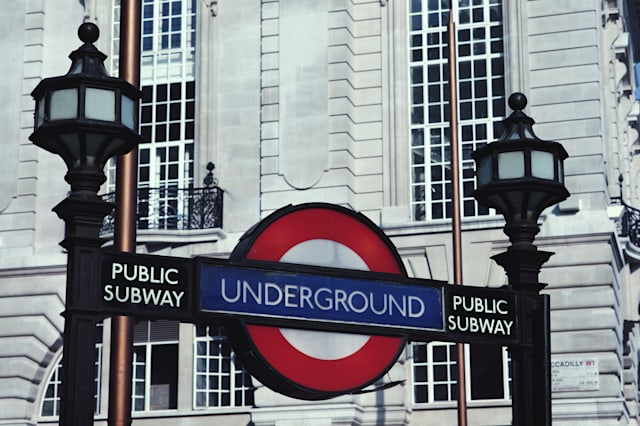 Lpndon Underground delays caused by overcrowding reach record high