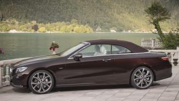 Das neue Mercedes-Benz E400 4MATIC Cabriolet: rubelitrot ; designo Leder Nappa macchiatobeige/tizianrot.E400 4MATIC: Kraftstoffverbrauch kombiniert:  8,3 l/100 km; CO2-Emissionen kombiniert: 187 g/kmE400 4MATIC:The new Mercedes-Benz E400 4MATIC: rubellite red; designo nappa leather macchiato beige/tizian red.Fuel consumption combined:  8.3 l/100 km; CO2 emissions, combined:  187 g/km