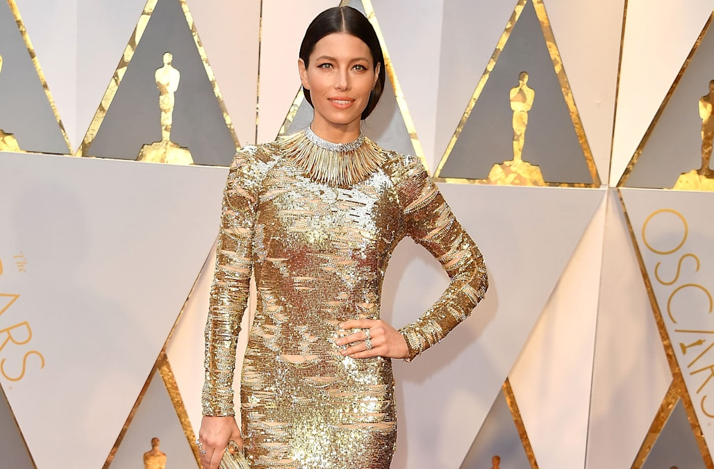 Hollywood's leading ladies got the golden memo when it came to The Oscars  red carpet. With everyone from Jessica Biel stunning in a Kaufman Franco  long ...