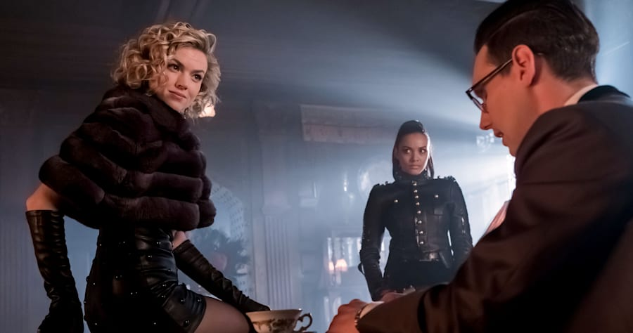 """GOTHAM:  L-R: Erin Richards, Jessica Lucas and Cory Michael Smith in the """"Mad City: How The Riddler Got His Name"""" spring premiere episode of GOTHAM airing Monday, April 24 (8:00-9:01 PM ET/PT) on FOX. Cr: Jeff Neumann/FOX"""