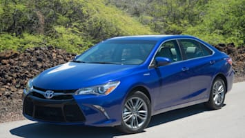 Hybrid Sedans Compared Ford Fusion Toyota Camry Autoblog