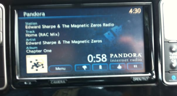 Now this is how to do a car radio @pandora_radio