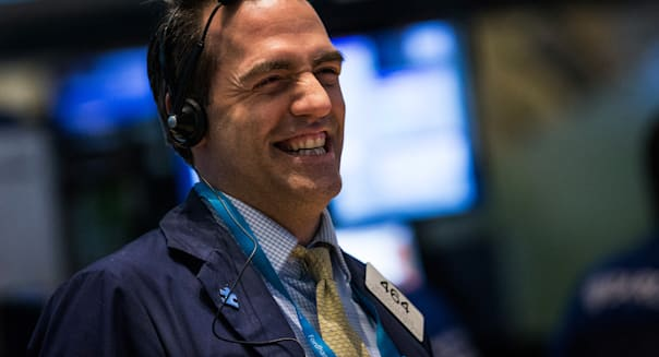 Dow Continues Three Day Streak