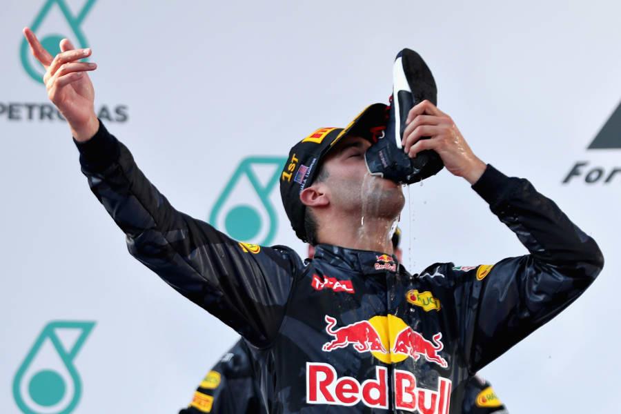 Daniel Ricciardo nails a