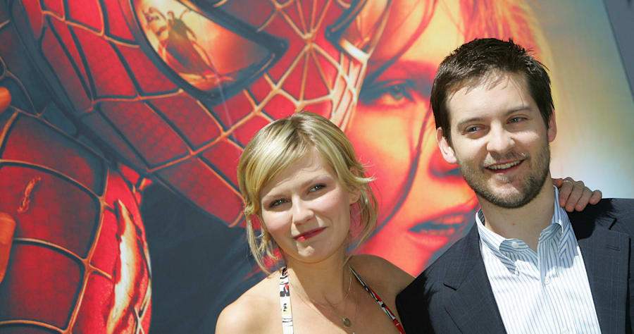 US actors Tobey Maguire (R) and Kirsten