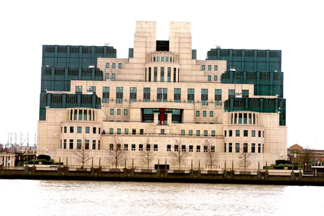 Sir Richard Dearlove Announces to Step Down From his Position as Head of MI6