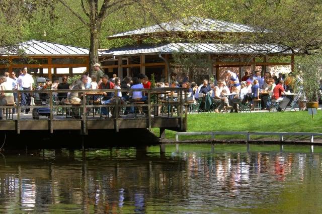 "Germany, Berlin, Tiergarten: ""Café am Neuen See"" - garden restaurant."