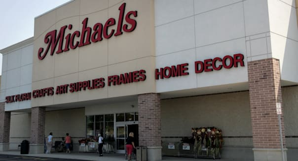 EARNS MICHAELS STORES