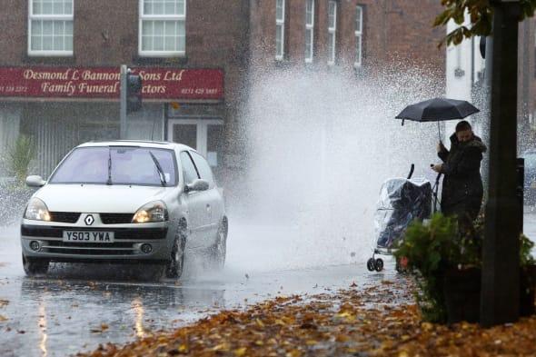 Pedestrians slam puddle-splashing motorists