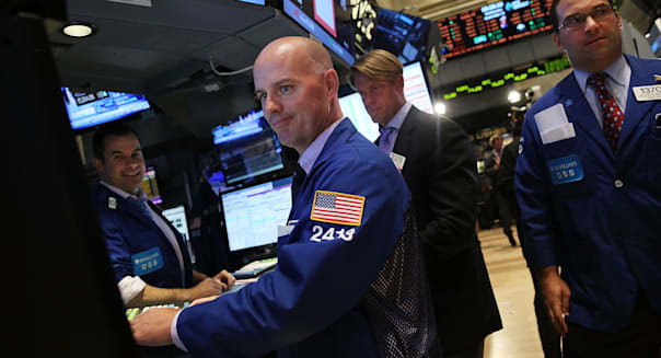 new york stock exchange traders dow rises retail sales investing