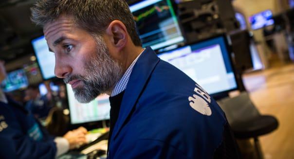 Dow Jones Industrials Average Falls Sharply