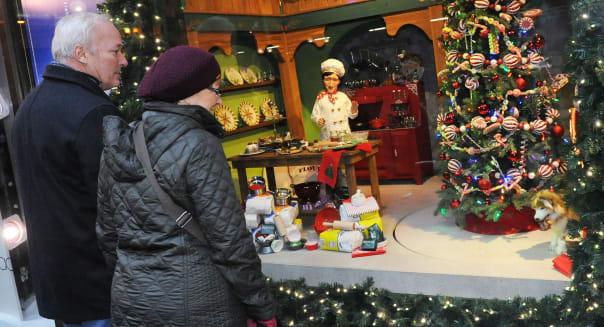 2014 Holiday Shopping Windows - Chicago, Illinois