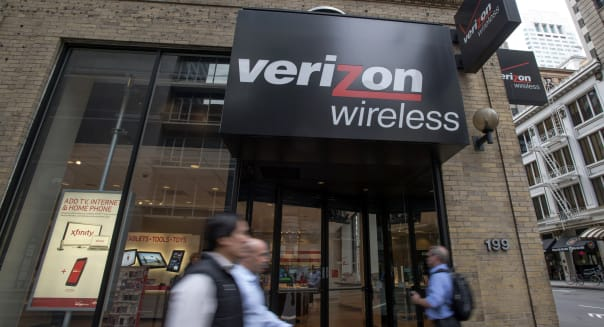 Verizon-Vodafone Seen Yielding Over $240 Million in Fee Bonanza