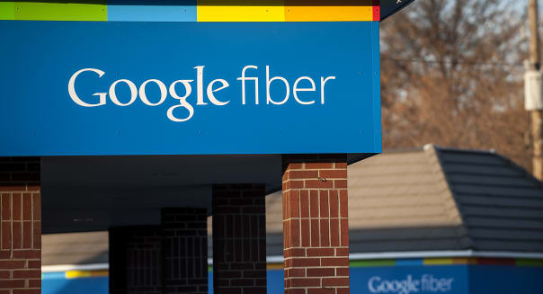 Google Begins Installing Ultrafast Broadband Network