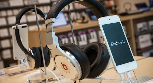 Apple Said To Be In Talks To Purchase Beats Headphones Company