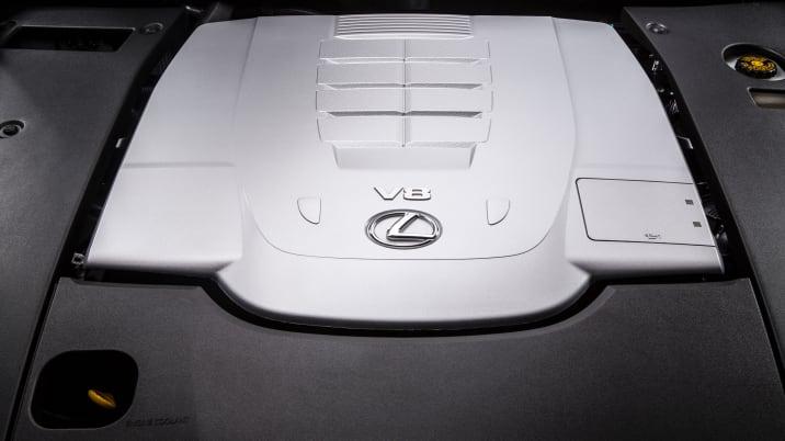 Lexus LS 460 engine bay