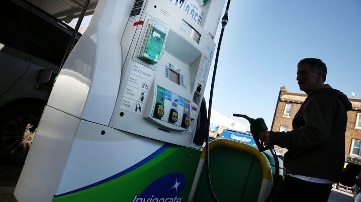 BP To Cut 3000 Jobs As Earnings Plunge